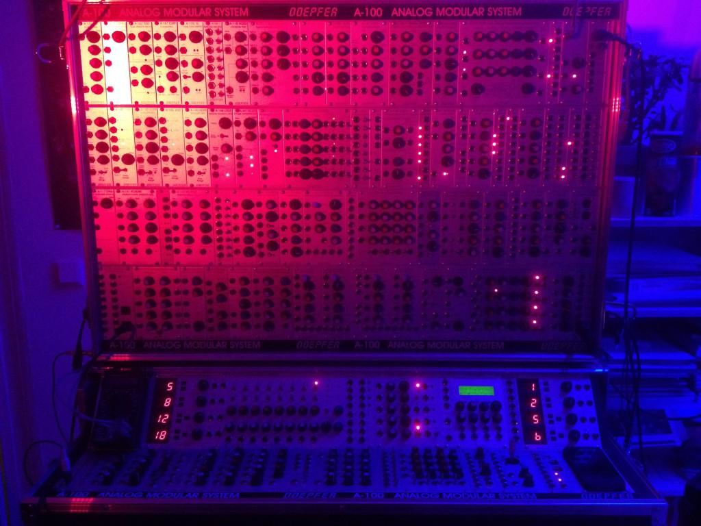 Das Doepfer A-100 Modular-System (ohne Patch) in Studio phaseLab, Bochum [Foto © : C.B.]